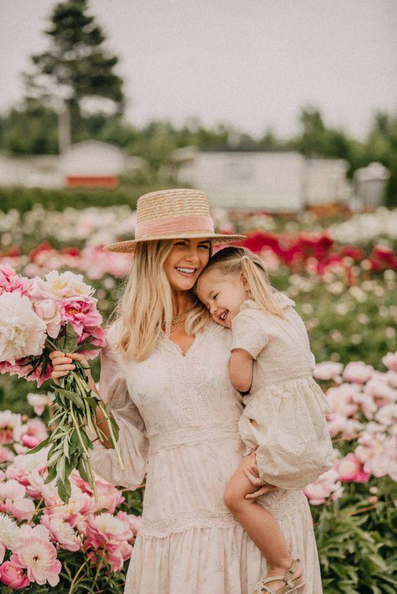 мама и дочь, мама и ребенок, мама и дочка, стильная мама с дочкой ...