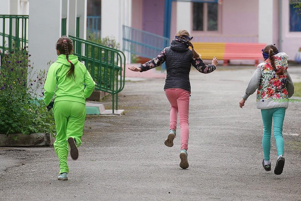 Чем живут современные детские лагеря: Матерные дискотеки, вейп ...