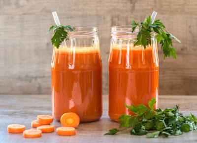 Морковный сок: польза и свойства